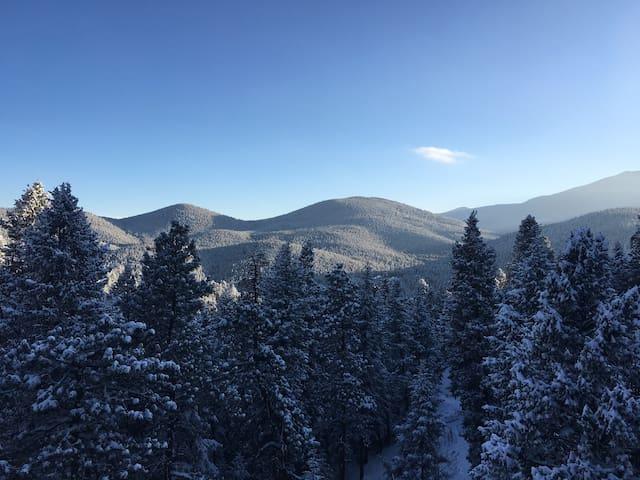 Charming mountain getaway - Evergreen - Rumah