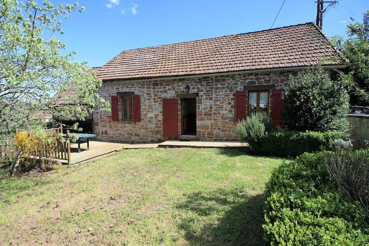 Maison en pierre avec piscine - Hautefort - Huis