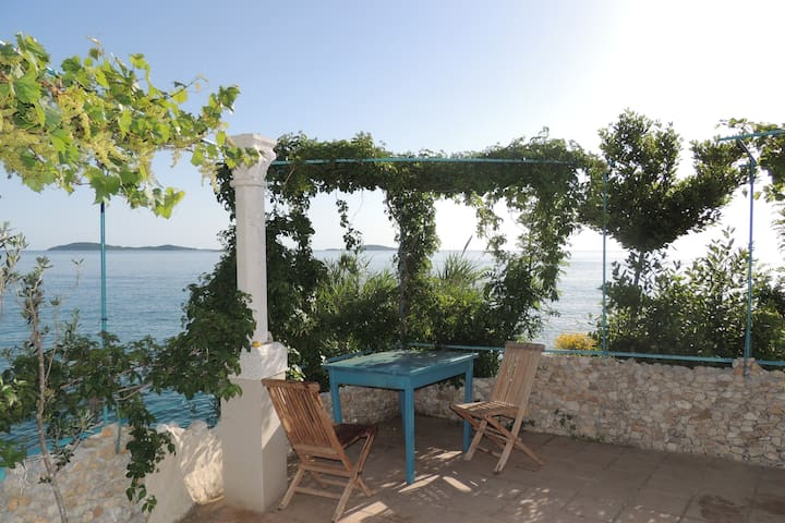 Robinzon Flora & Fauna/Holiday Home with Sea View - Mlini - Dom