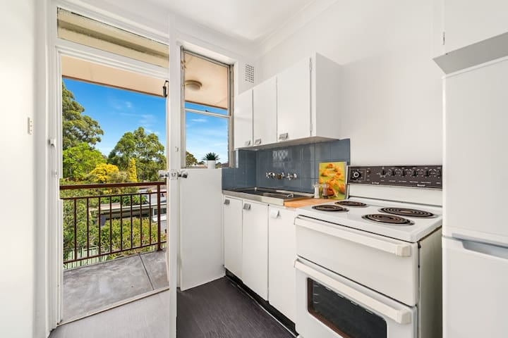 Bright studio in Leichhardt, Sydney's Little Italy - Leichhardt - Appartement