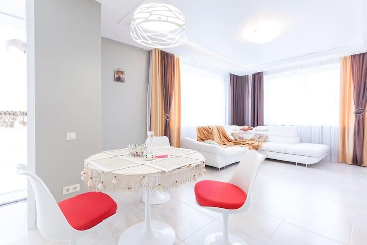 Апартаменты «На Рабочей, 8а» - Pionerskiy