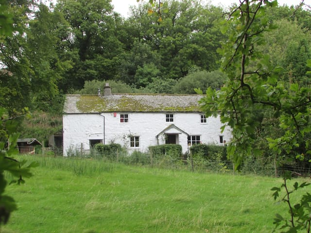 Cosy farmhouse in the Lake District - Cumbria - Bed & Breakfast