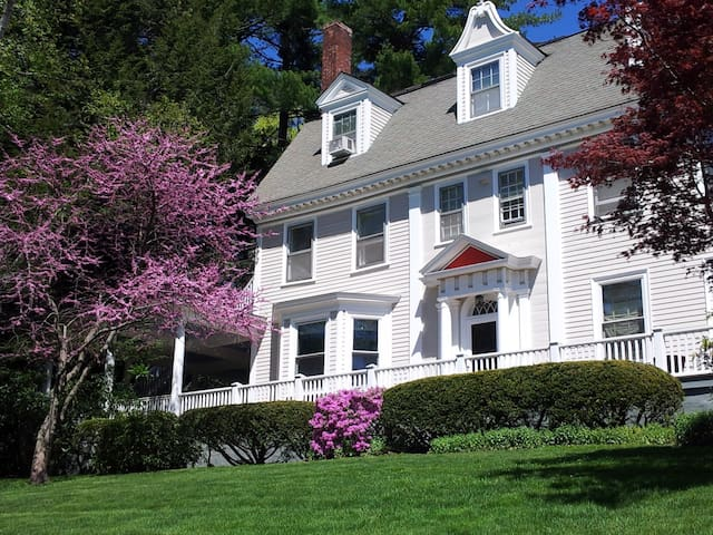 Brandt House Bed and Breakfast - Greenfield - Bed & Breakfast