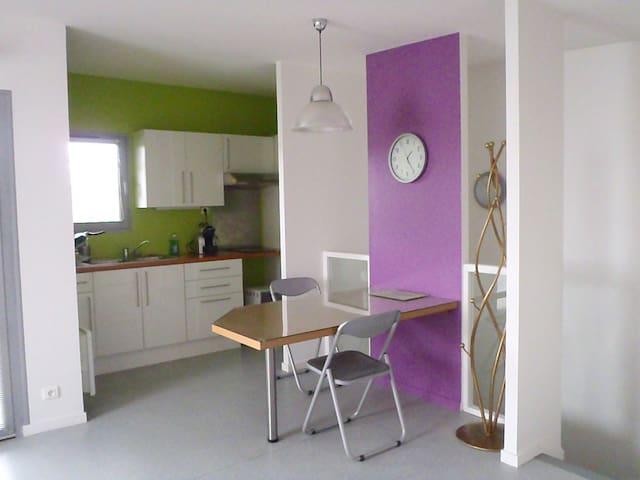 appartement proche centre ville - Issoire - Daire