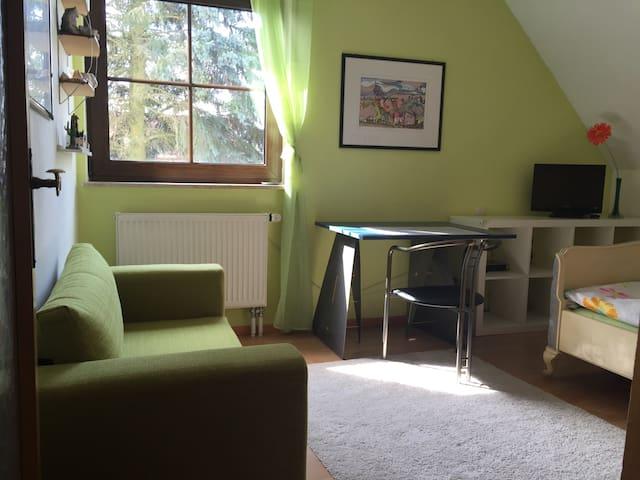 Gemütliches Zimmer - Uttenreuth - Casa