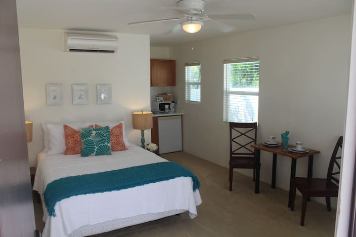 Beach suite! Garage Parking! - Ewa Beach