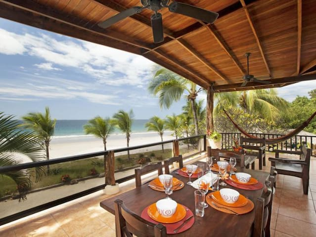 The Beach House - Playa Flamingo - Casa