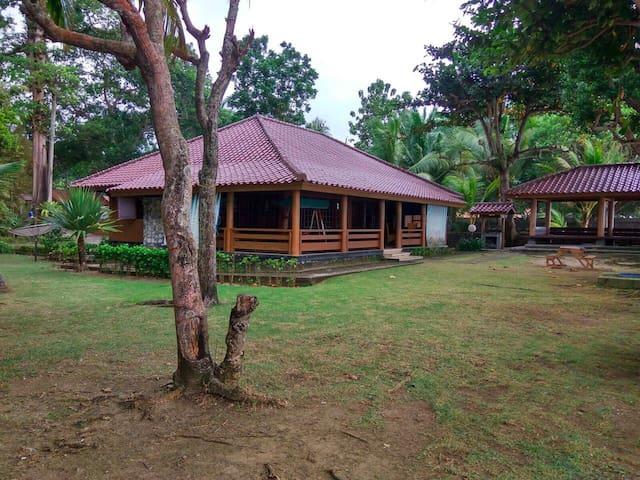 Roca Layung Getaway Villa - Carita - Бунгало