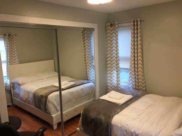 Cozy Bedroom in Marlboro 3 - Marlborough - Casa