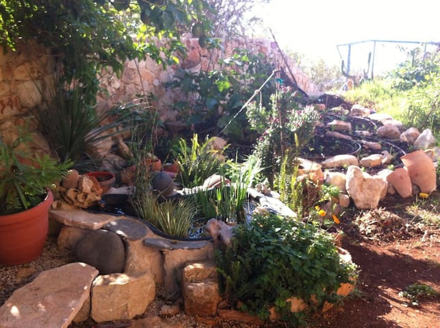 uplifting space for the soul in Hararit - Hararit - Casa