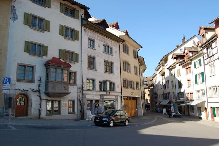 Altstadtwohnung, 2 Zimmer - Schaffhausen - Departamento