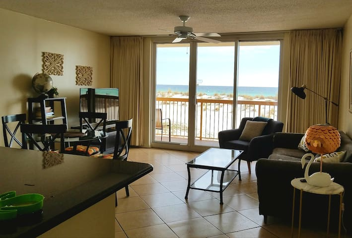 Condo on the beach/Ocean view/Pelican Beach Resort - Destin