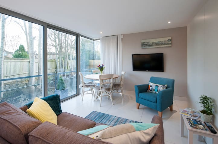 NEW luxury Bath studio with parking - Bath - Lägenhet