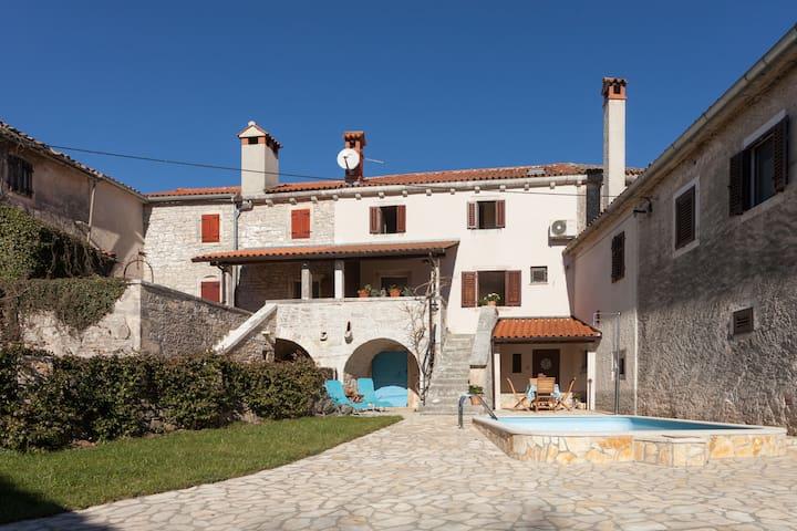 House Pozza - Žminj - Huis