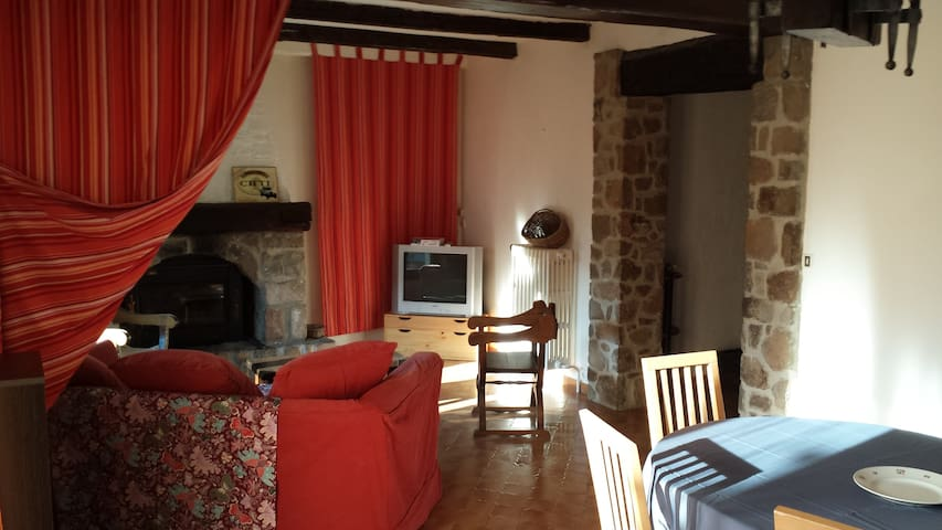 4 rooms apartment with garden - Guillaumes - Appartement