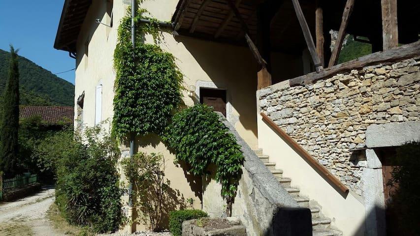 La Mandorne - Saint-Rambert-en-Bugey
