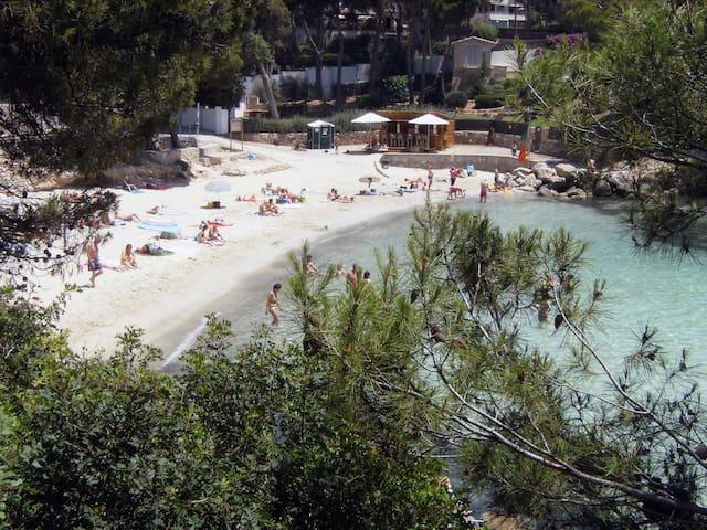 Casa en la playa, 6 personas, cerca de Palma. - Portals Nous - Huis