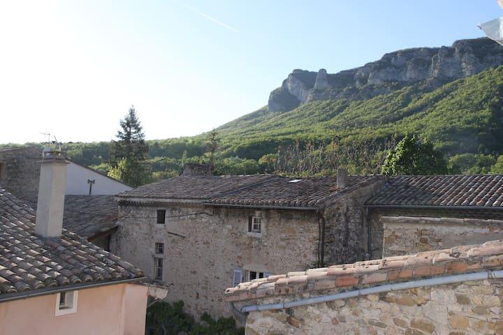 Maison de village de charme - La Fontaine des Fées - Saou - Casa