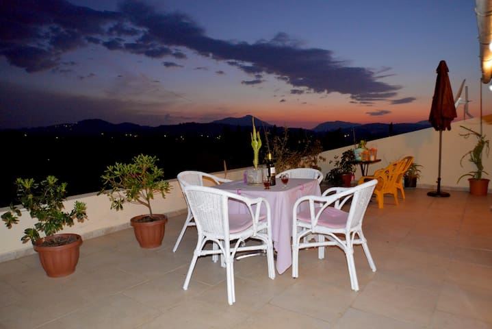 Best Sunset View - Afra - Appartement