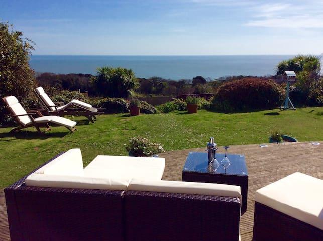 Detached house * Fab sea views - Ventnor - Talo