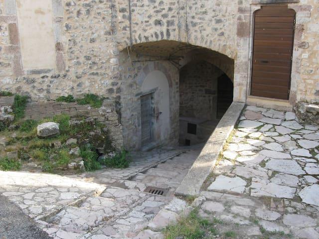 Casa in Valnerina immersa nel verde - Sant'Anatolia di Narco - Departamento