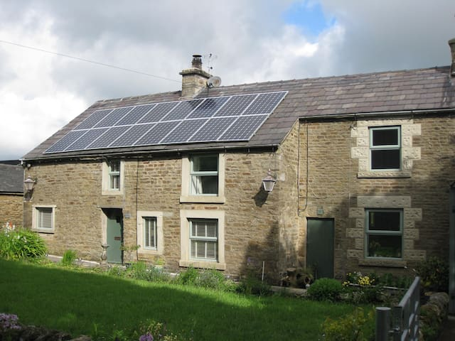 Clough Head Cottage, Nr Buxton - Buxton - Hus
