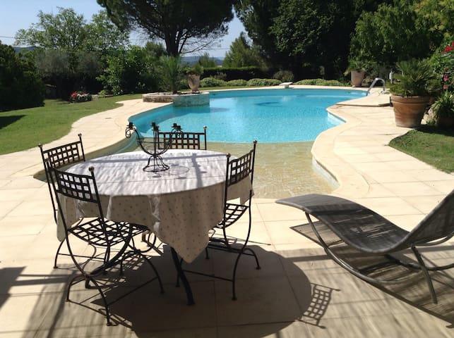 Appartement avec piscine au calme - Velaux