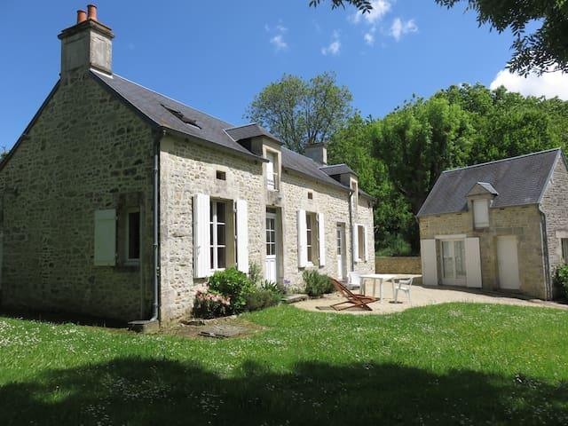 Charming house in Normandy (France) - Juaye-Mondaye - Casa