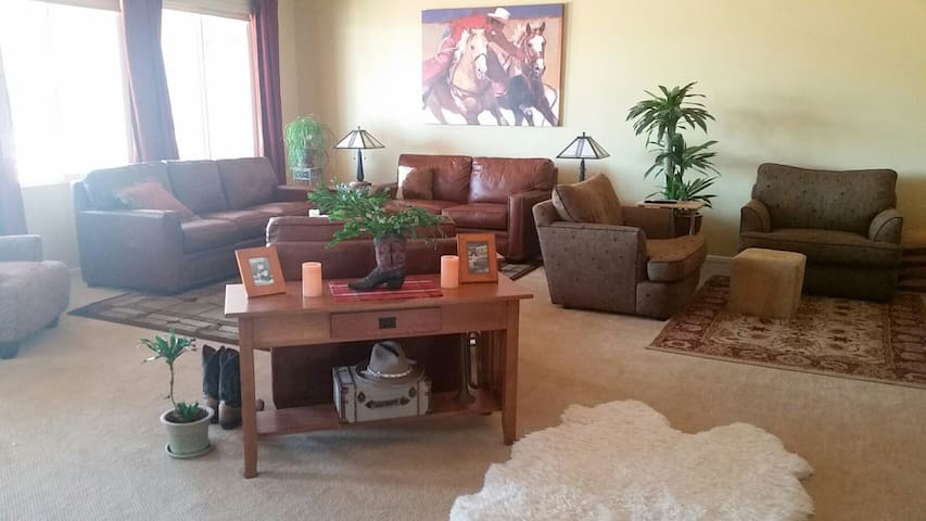 Shared, single story house w/ 2 BRs.  ALL welcome. - Palmdale