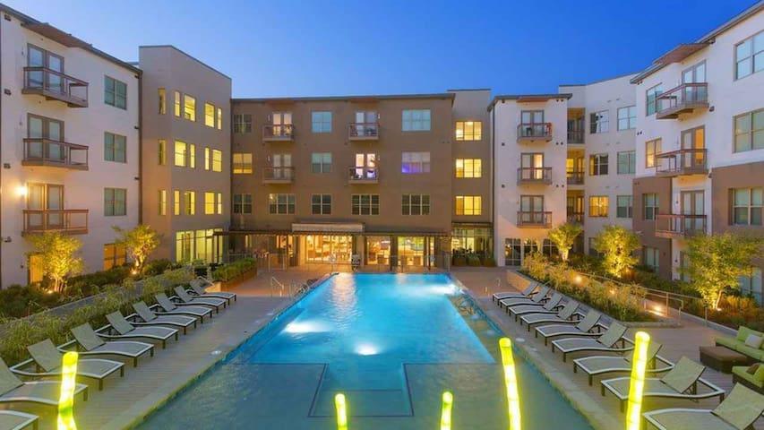 West 7th Modern Living - Fort Worth - Huoneisto