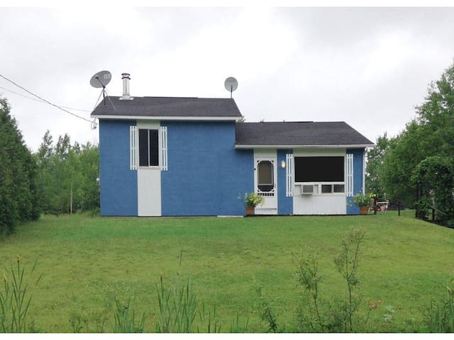 St-Honoré's little blue house - Saint-Honoré - Casa
