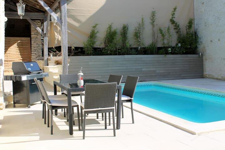 Vakantiehuis met zwembad en sauna - Couvignon - Huis