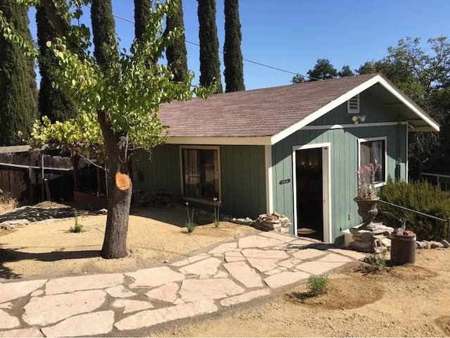 Downtown Paso Wine Country Cottage - Paso Robles - Huis