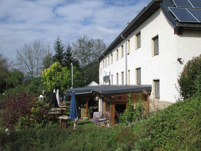 Altes Zollhaus-FeWo's, Zimmer, Rest - Ammeldingen an der Our - Daire