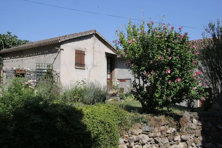 Petite maison dans vieille ville - Corte - House