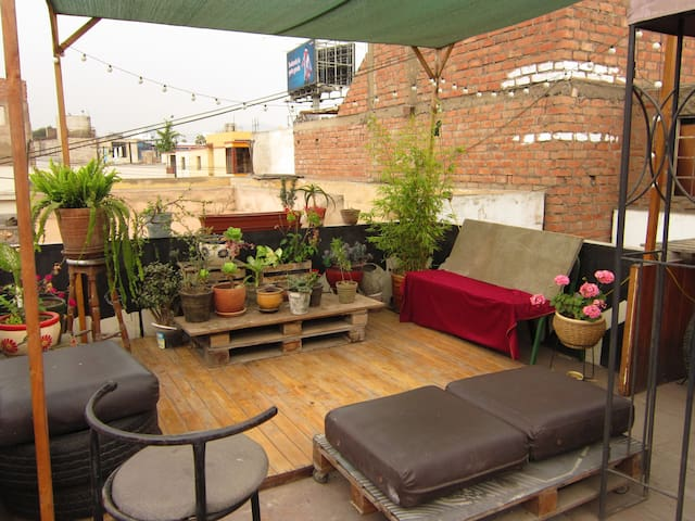 artistic rooftop in Lima - Lince - アパート