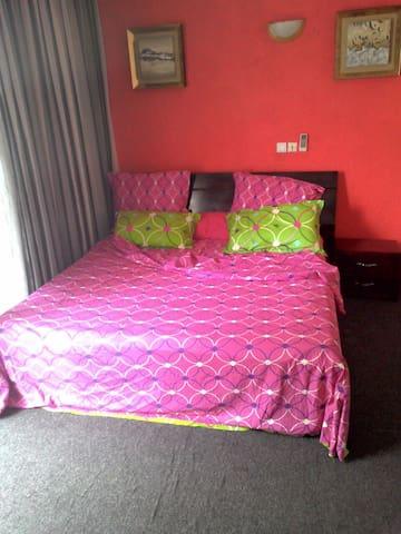 Studio meublé et équipé aux 2 plateaux 8e tranche - Abidjan - Departamento