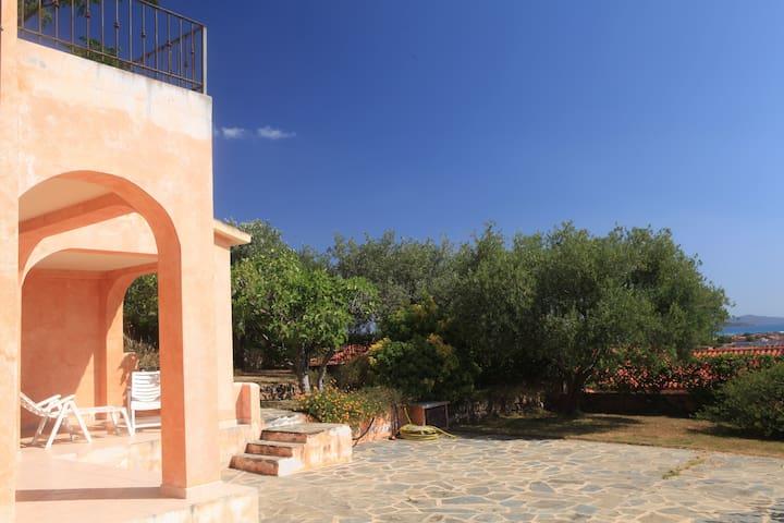 Monolocale con giardino San Teodoro - San Teodoro - Apartamento