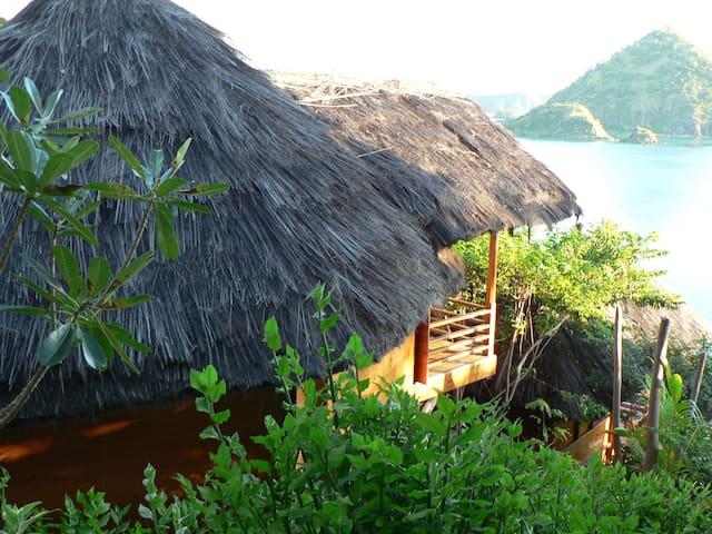 Waecicu Eden Beach Cottage - Labuan Bajo