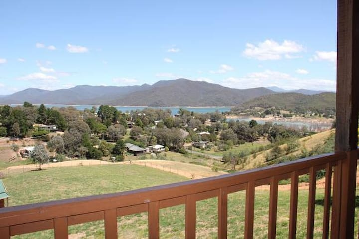 Craignish at Lake Eildon - Mountain Bay - Huis