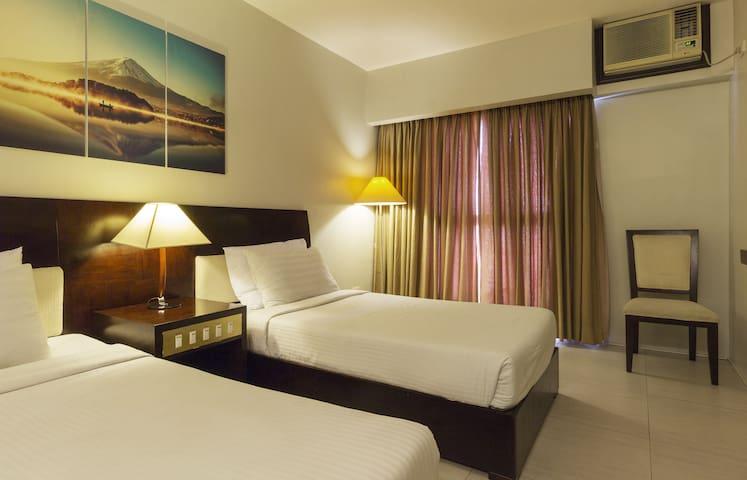Affordable DELUXE TWIN Hotel Room Heart of Ortigas - Pasig - Ortak mülk