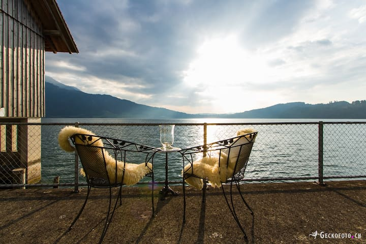 Charming, Waterfronthouse with fantastic Lakeview - Walchwil - Casa