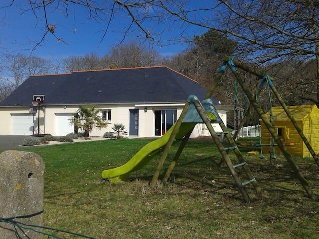 Maison proche de la nature face aux vignes - Benais - Hus