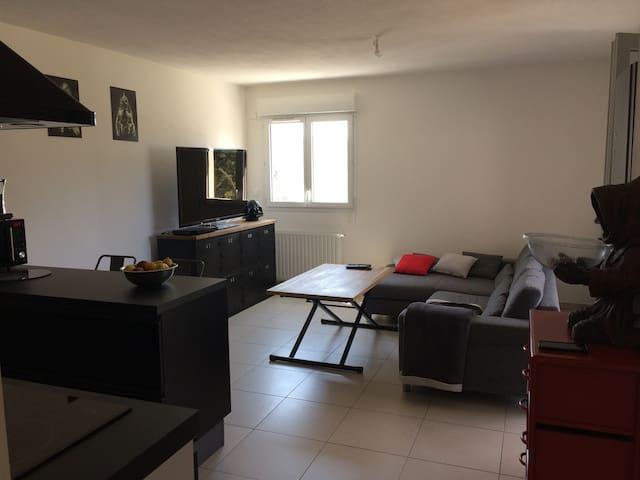 Appartement T2, calme, proche de la plage - Alata - Leilighet