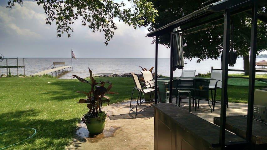 Lake Life - Neenah