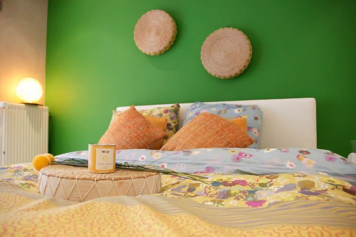 Charmante kamer met massagebad - Kruishoutem - Bed & Breakfast