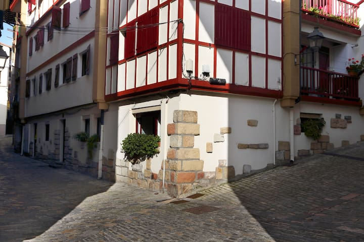 Cosy apartment in the Old Town - Hondarribia - Apartment