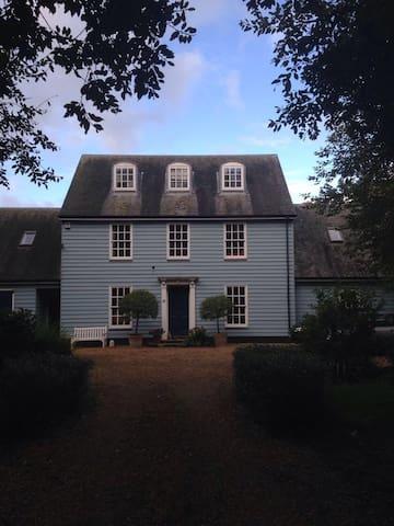 The Blue House - Watton - Casa