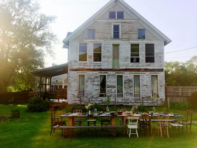 Turquoise Barn 1800s Carriage House - Bloomville