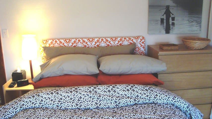Stylish, Tidy & Serene: 2 Bedroom Apt with Study - Saranac Lake - Appartement
